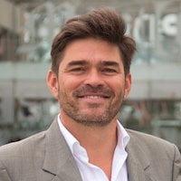 Dr. Sergio Llano